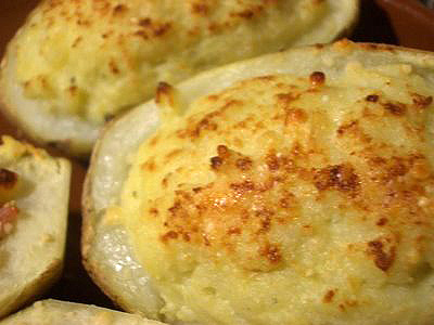 Patatas asadas con roquefort